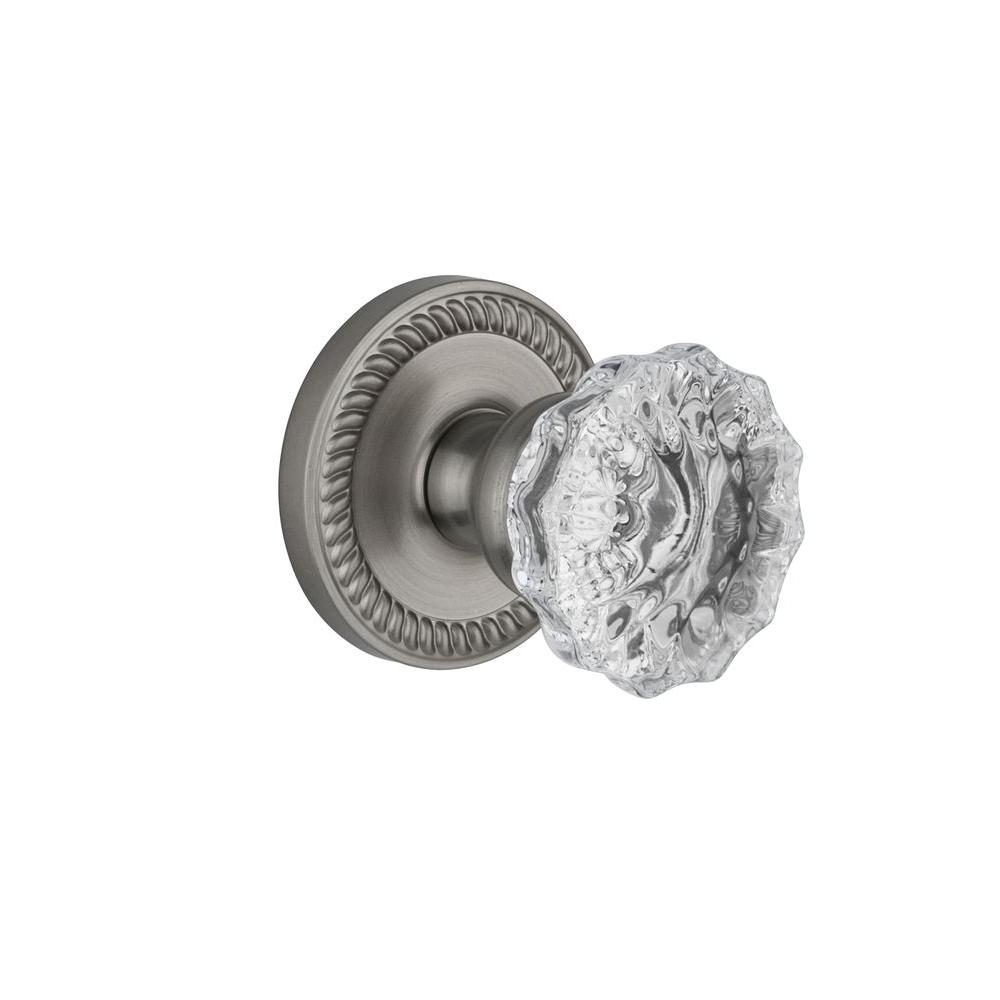 Grandeur Newport Rosette Satin Nickel with Passage Fontainebleau Crystal Knob