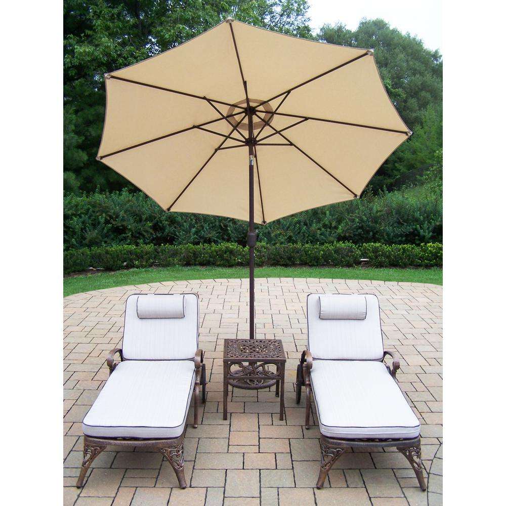 5-Piece Aluminum Outdoor Chaise Lounge with White Cushions and Beige Umbrella