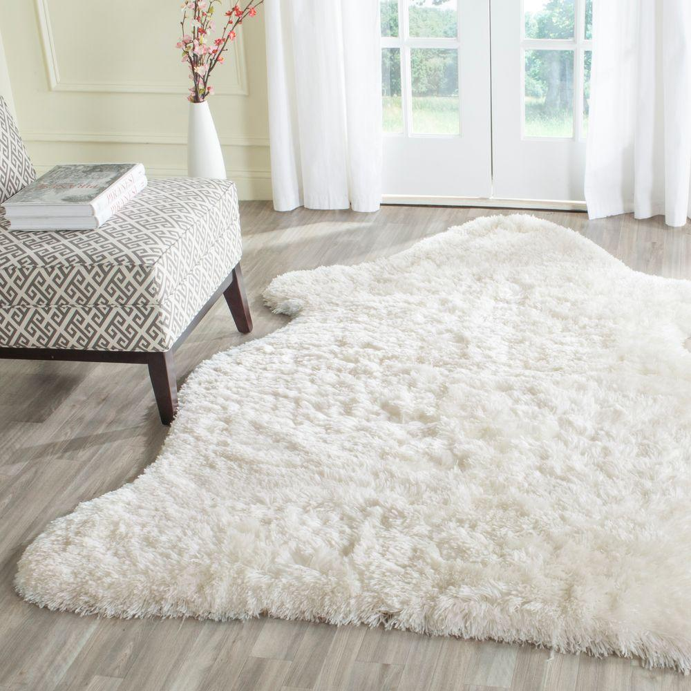 Arctic Shag Ivory 5 ft. x 7 ft. Scalloped Area Rug