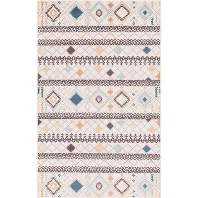 Ivory Tribal Outdoor Oasis 5' 0 x 8' 0 Area Rug