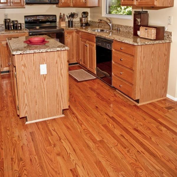 Bridgewell Resources Red Oak 3 4 In Thick X 3 1 4 In Wide X 84 In Length Solid Hardwood Flooring 18 75 Sq Ft Case Hfsustoar32513 The Home Depot
