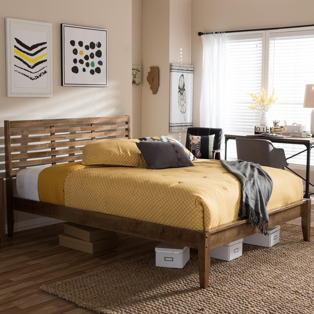 Daylan Medium Brown Queen Platform Bed