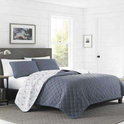 Freestone Navy Full/Queen Quilt Set (3-Piece)
