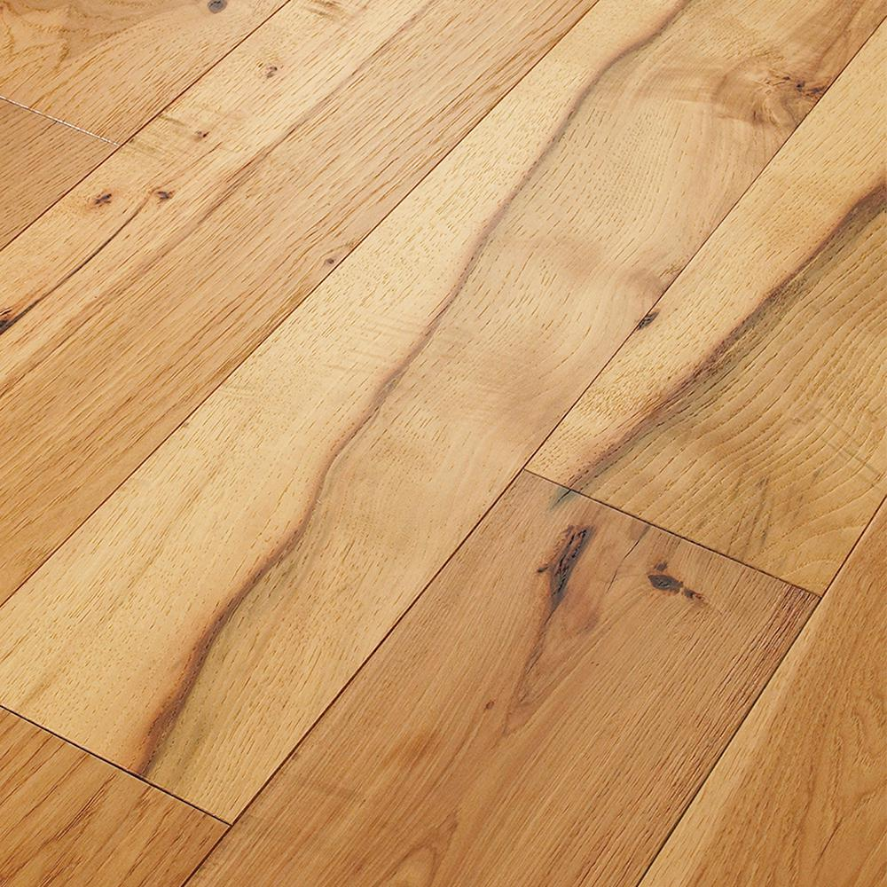 Shaw take home sample belvoir hickory york engineered for Hardwood floors hickory