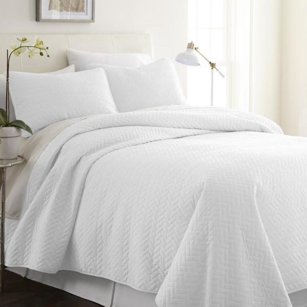 Becky Cameron Herring White Queen Performance Quilted Coverlet Set IEH-QLT-HE-Q-WH