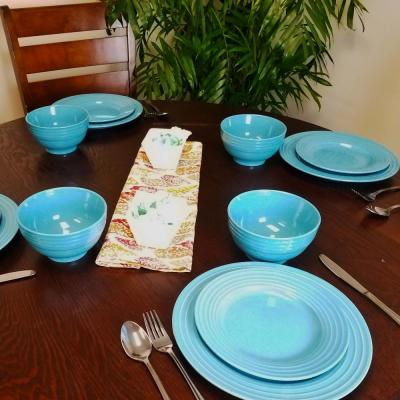 Plaza Cafe 12-Piece Casual Teal Stoneware Dinnerware Set (Service for 4)