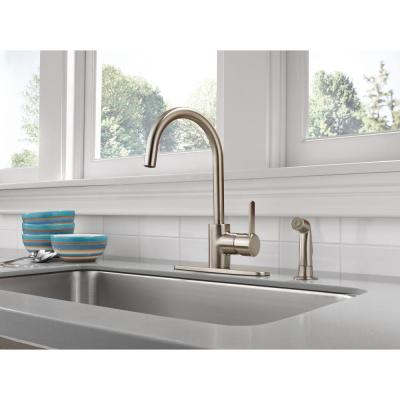 Apex Single-Handle Standard Kitchen Faucet with Side Sprayer in Stainless