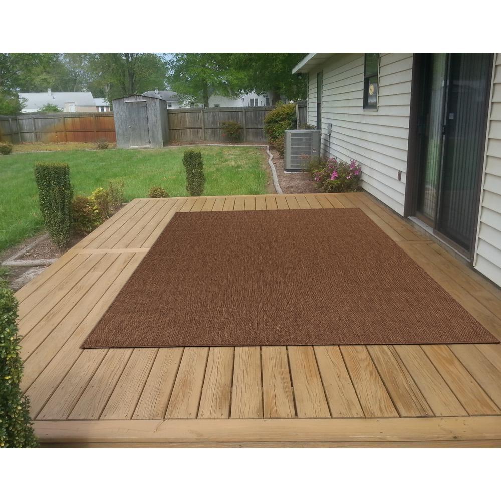 Jardin Collection Solid Brown 5 ft. x 7 ft. Indoor/Outdoor Area Rug