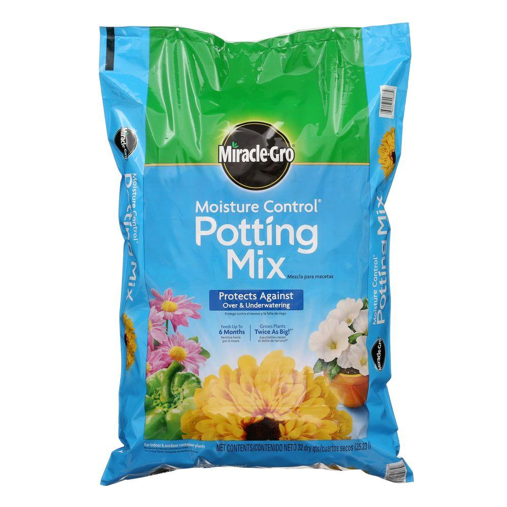 Miracle-Gro 32 Qt. Moisture Control Potting Mix