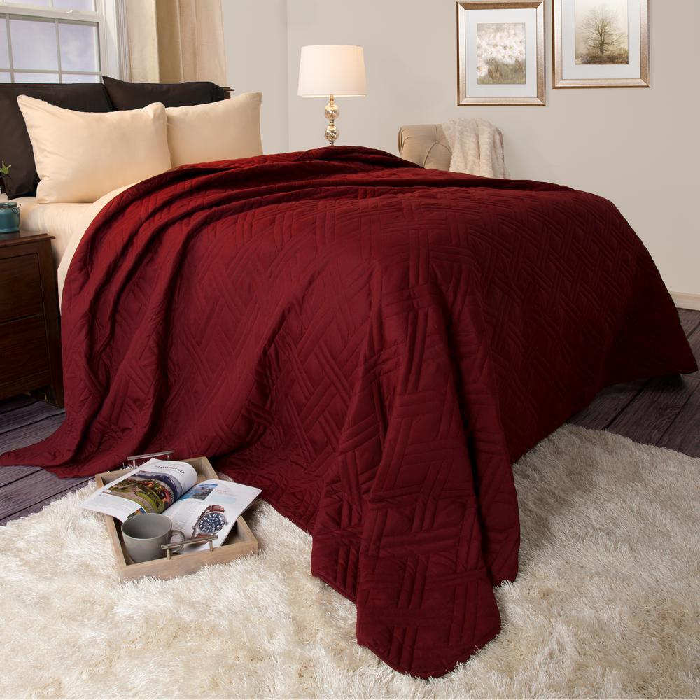 Lavish Home Solid Color Burgundy King Bed Quilt