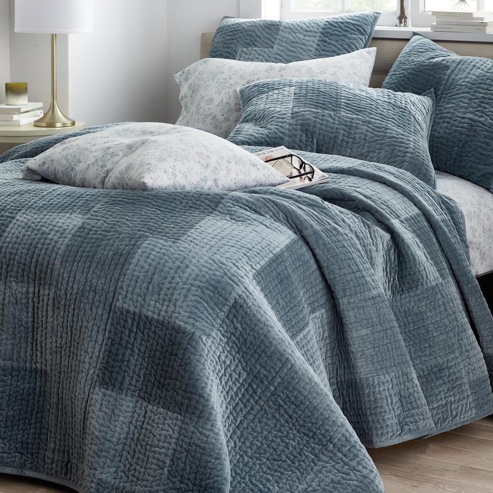 Hampton Ice Blue Luxe Velvet Cotton Bedspread Set King
