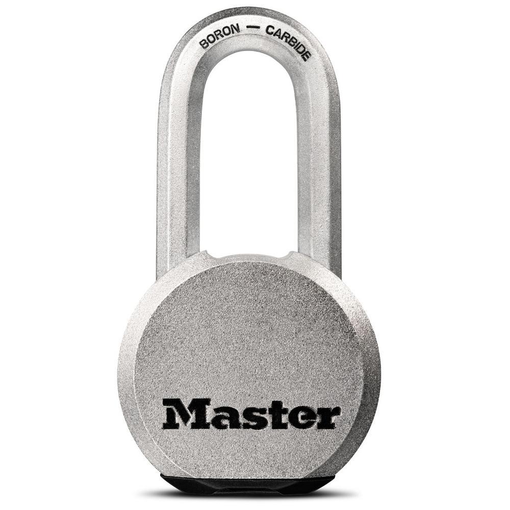 master lock m930xdlh magnum 2 1 2 in wide solid steel keyed padlock