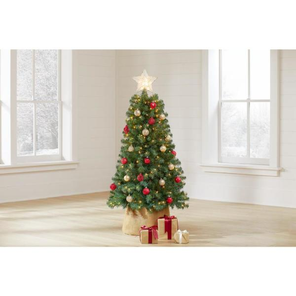 Home Accents Holiday 5 Ft Woodtrail Norway Spruce Pre Lit Artificial Christmas Tree With 200 Lights 6050 370 200l The Home Depot