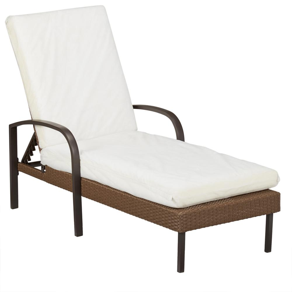 Hampton Bay Corranade Custom Wicker Outdoor Chaise Lounge...