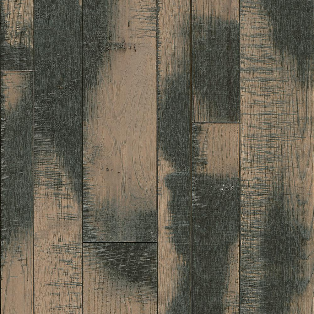 Bruce Revolutionary Rustics Hickory Stony Hill 3/4 in. T x Varying W x Varying L Solid Hardwood Flooring (24 sq.ft./case)