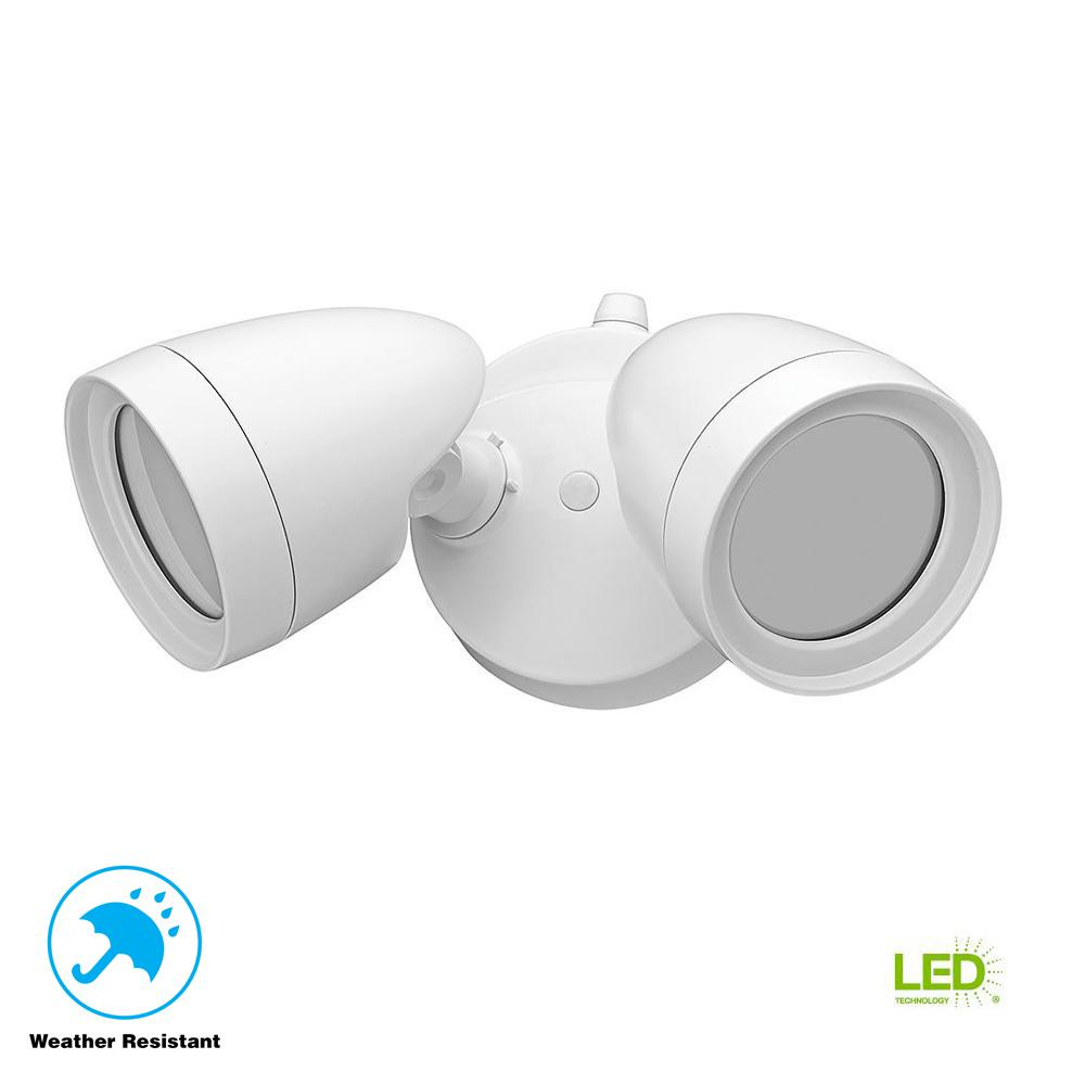 Photo Out Door Dusk: Defiant 2 Head White Outdoor Integrated LED Security Flood