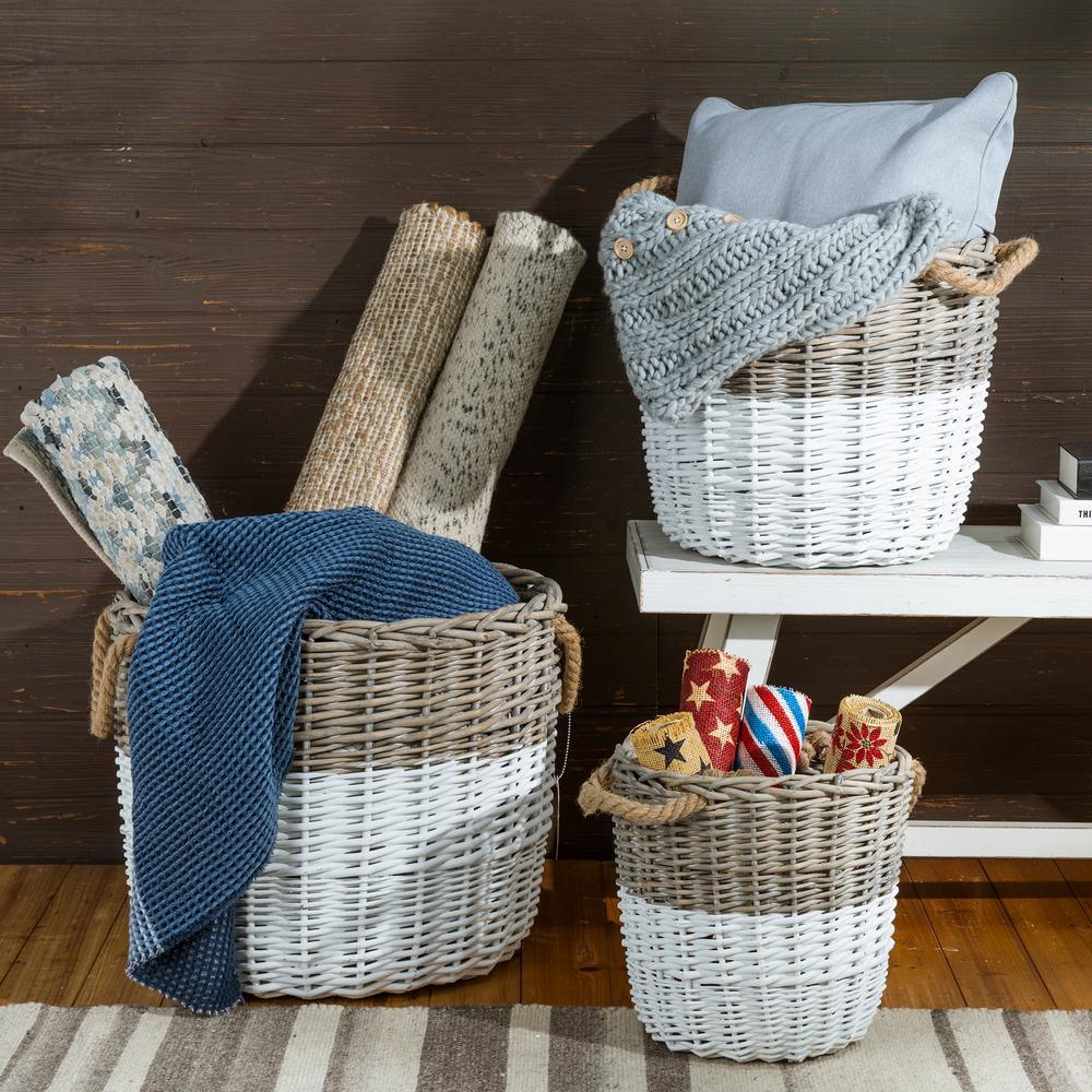 Natural/White Round Wicker Baskets (Set of 3)