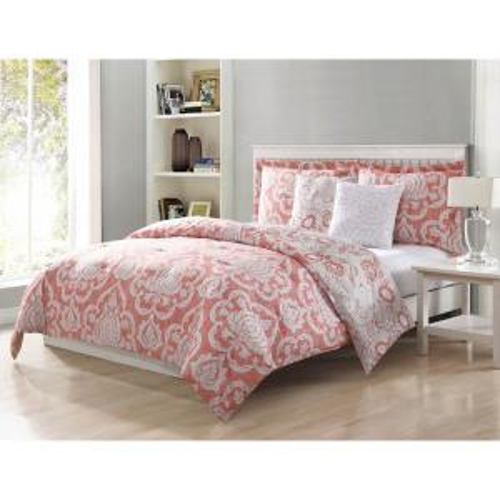 Dorian Blush Reversible 5-Piece Queen Comforter Set by