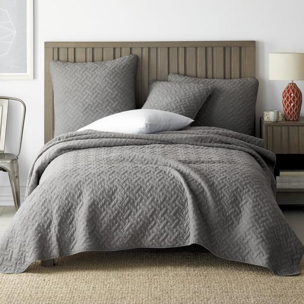 The Company Store Hunter Solid Gray Cotton Queen Coverlet 50320Q-Q-GRAY