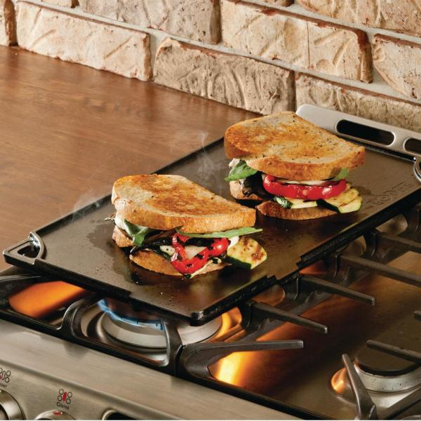 Lodge - Double Play 16.75 in. Black Cast Iron Reversible Stovetop Griddle