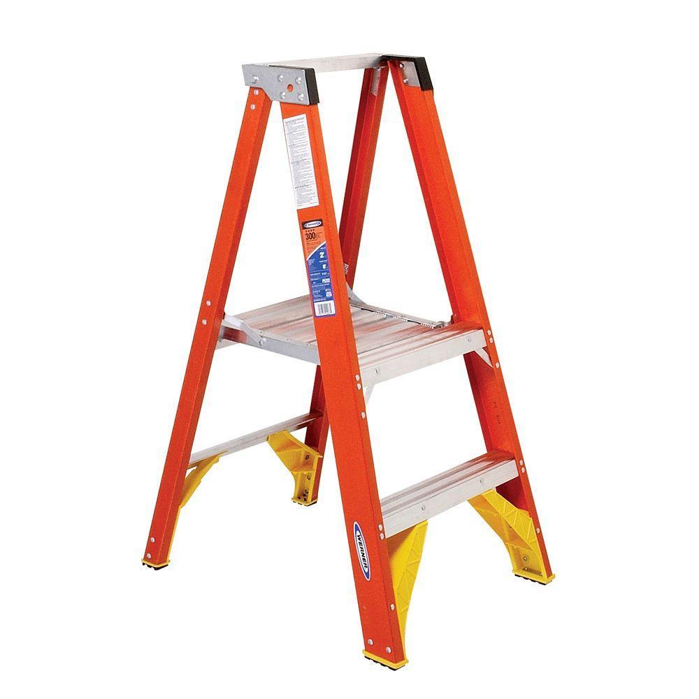 Reach Fiberglass Platform Step Ladder With 300 Lb Load Capacity Type IA Duty Rating P6210