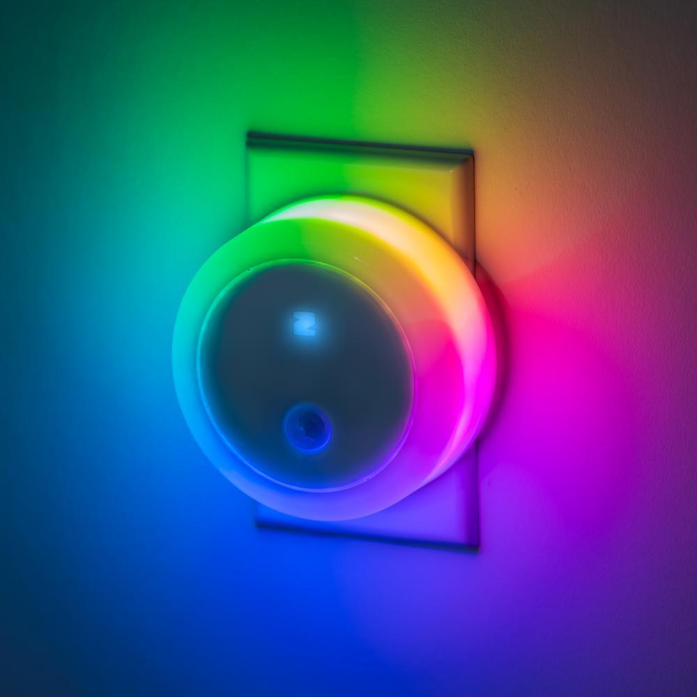 Zing Smart Full-Color Night Light