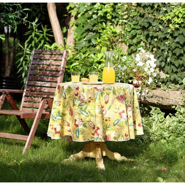 70 In Round Waverly Lexie Indoor Outdoor Tablecloth