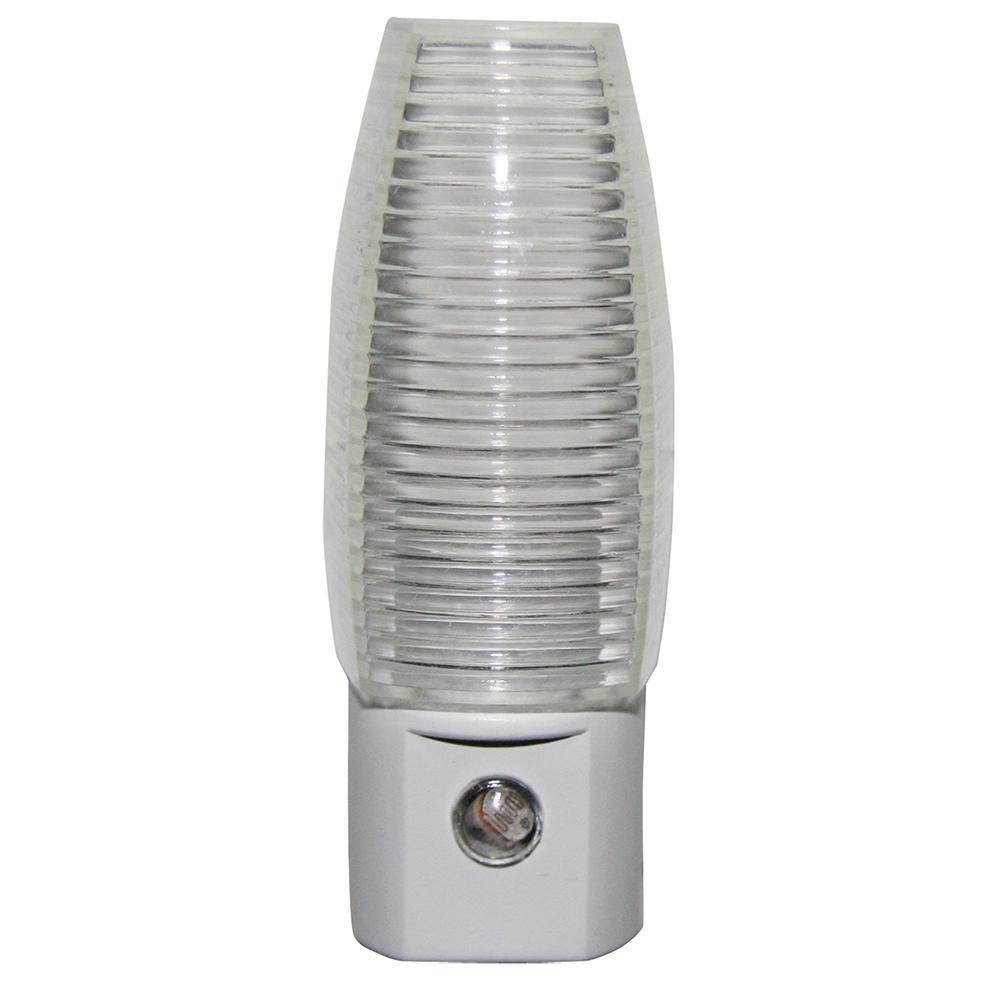 Daylight Automatic LED Night Light (4-Pack)