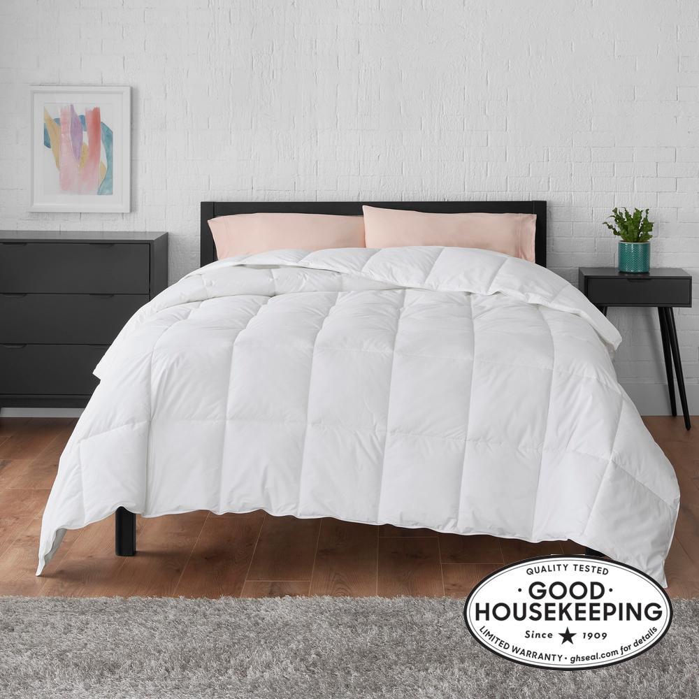 Medium Weight Down Alternative Cotton White Twin Comforter
