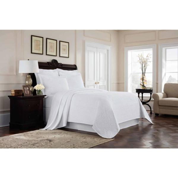 Royal Heritage Home Williamsburg Richmond White Queen Coverlet 048975017647