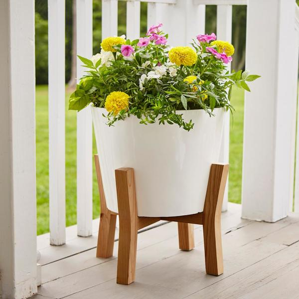 Southern Patio Contemporary 16 In X 19 87 In White Resin Composite Planter With Wood Stand Cmx 049371 The Home Depot