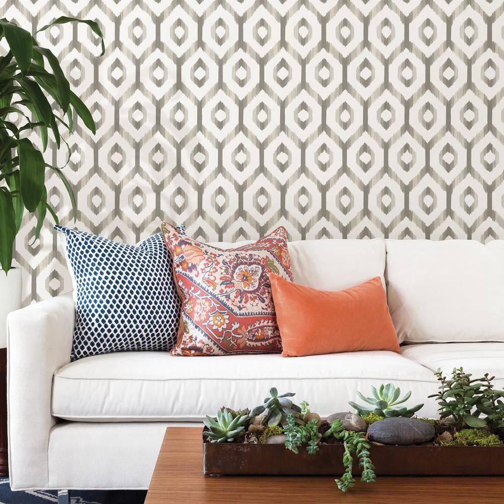 Lucia Grey Diamond Wallpaper Sample
