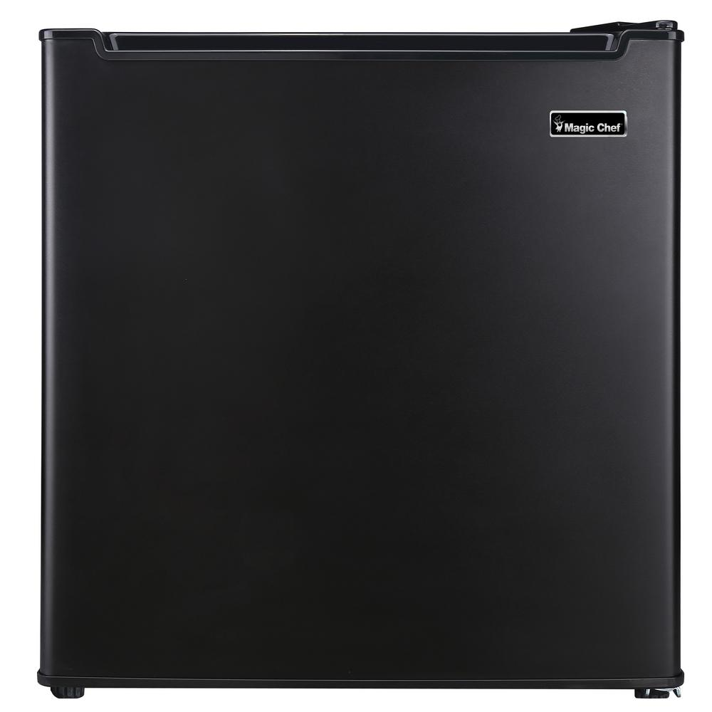 Magic Chef 1 7 cu  ft  Mini Fridge in Black