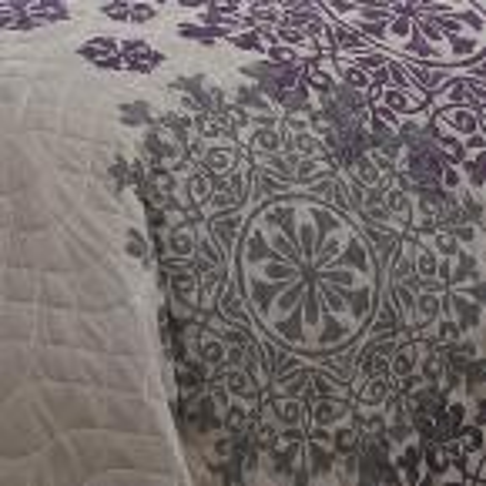 Avondale Manor Amber 9-Piece Plum Queen Quilt Set