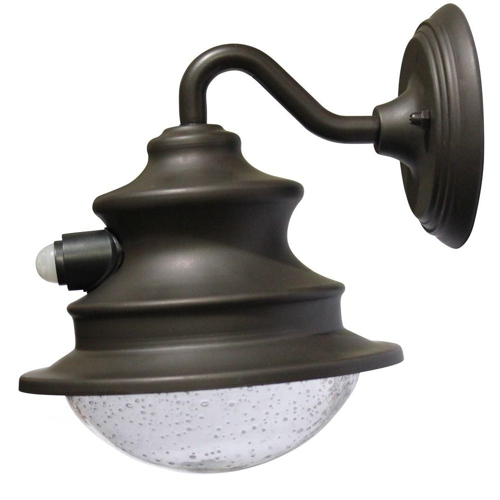Gama Sonic Barn Solar Brown Outdoor Integrated Led Wall Light With Wiring A Pir Motion Sensor