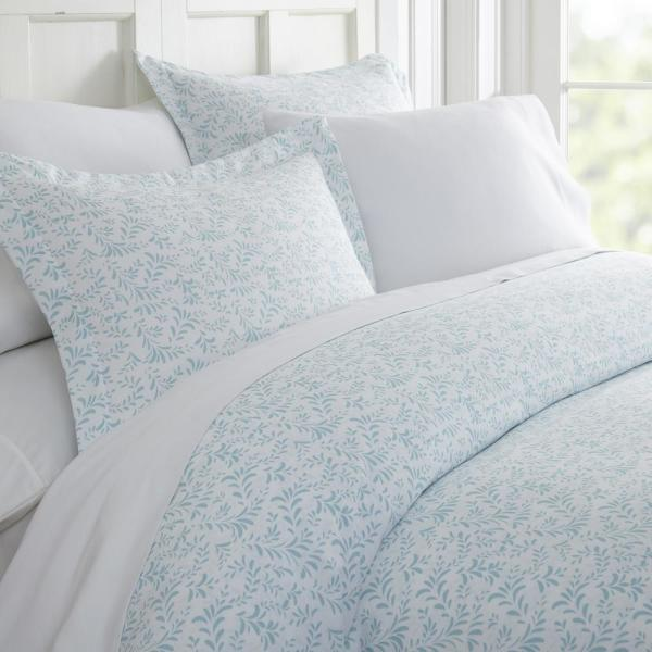 Becky Cameron Burst of Vines Patterned Performance Light Blue King 3-Piece