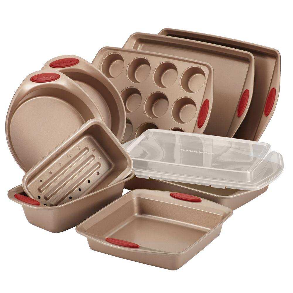 Cucina 10-Piece Latte and Cranberry Bakeware Set, Latte B...