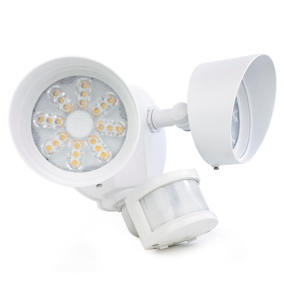 Newhouse lighting 35 watt 180 degree white motion for Newhouse 1000