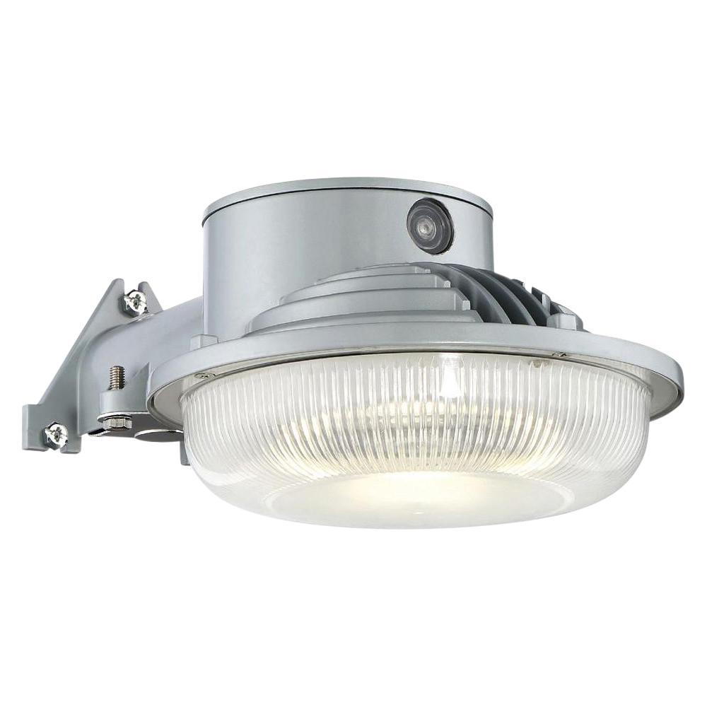 EnviroLite LED Dusk to Dawn Single-Head Gray Outdoor Flood Light