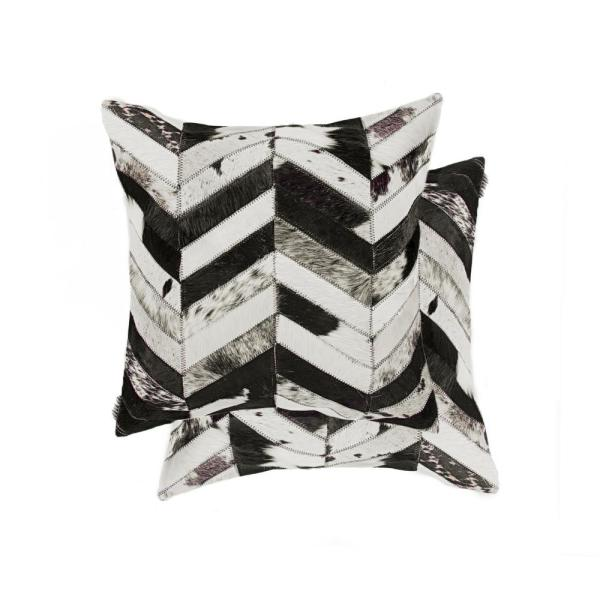 natural Torino Chevron Cowhide 18 in. x 18 in. Black and