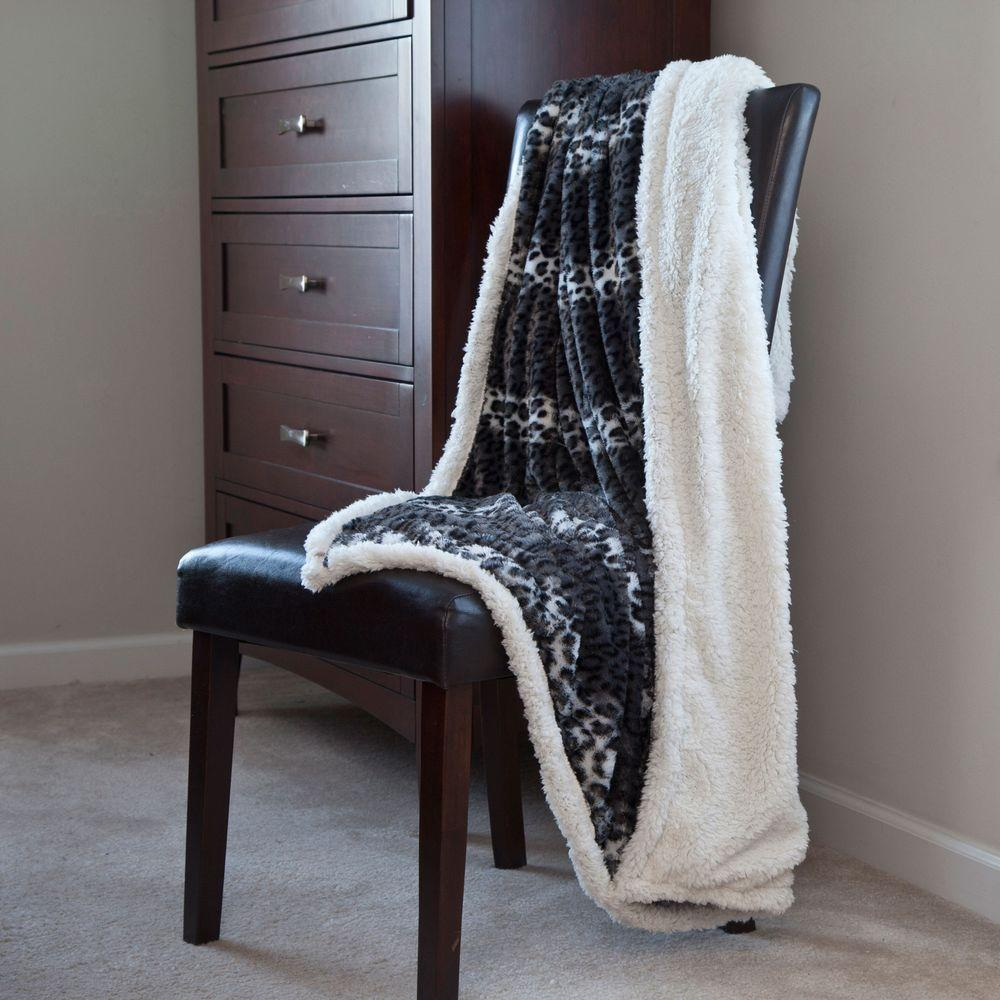 Lavish Cheetah Fleece Sherpa Polyester Throw Blanket