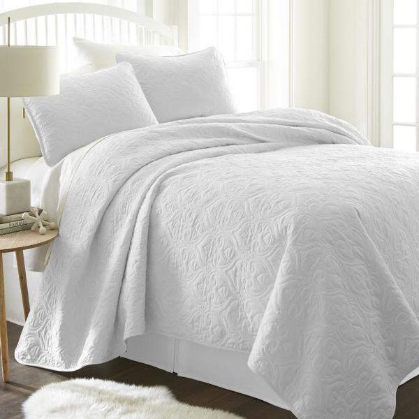 Damask White Twin Performance Quilted Coverlet Set