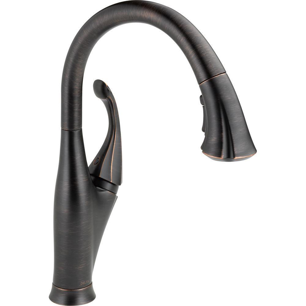 Addison Single-Handle Pull-Down Sprayer Kitchen Faucet with MagnaTite Docking in