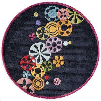 Young Buck Collection Black 5 ft. x 5 ft. Round Area Rug