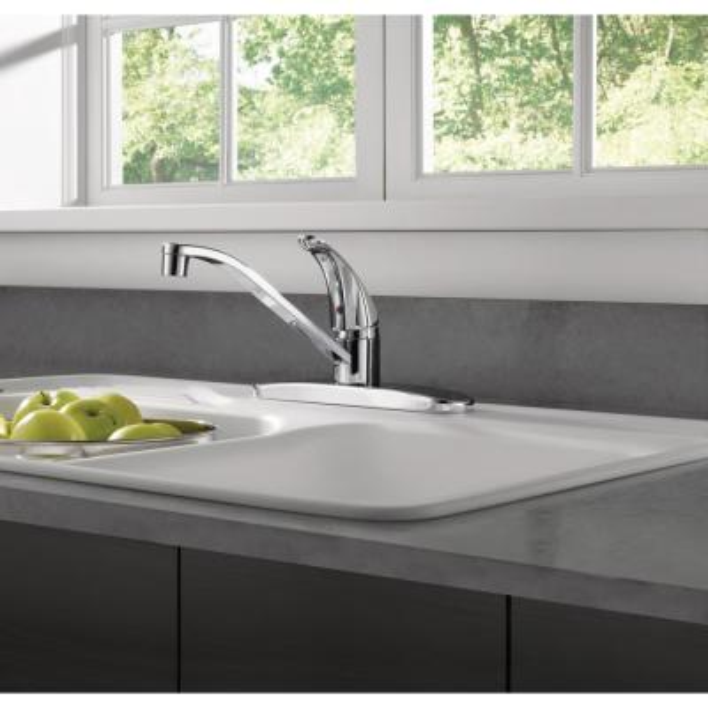 Core Single-Handle Standard Kitchen Faucet in Chrome