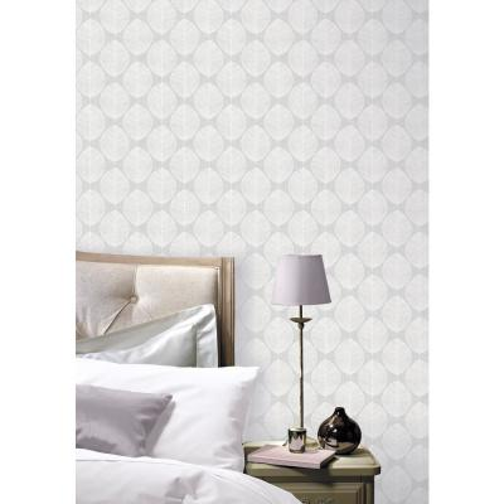 Scandi Leaf Grey Wallpaper