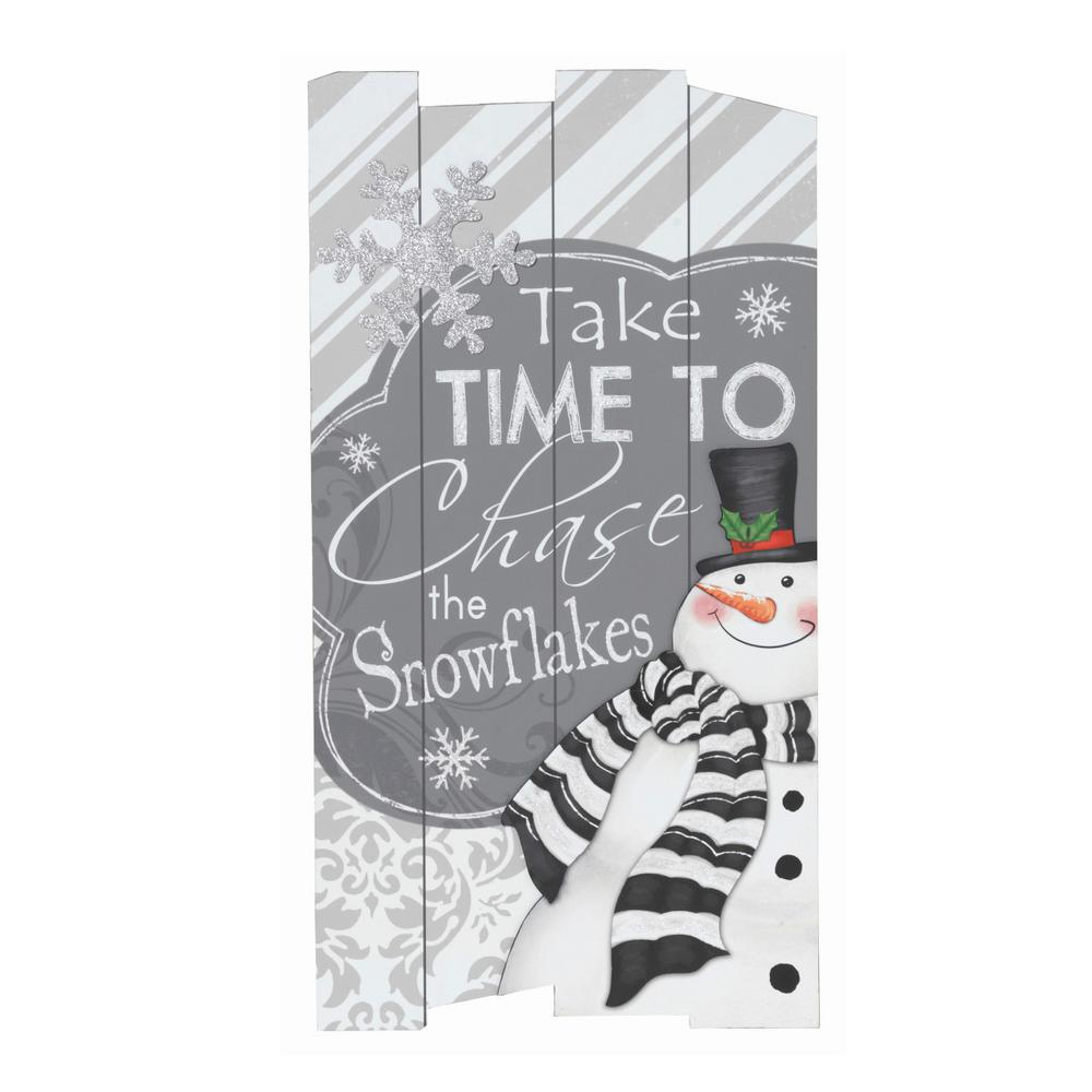 26 in. H Wooden Holiday Wall Hanging
