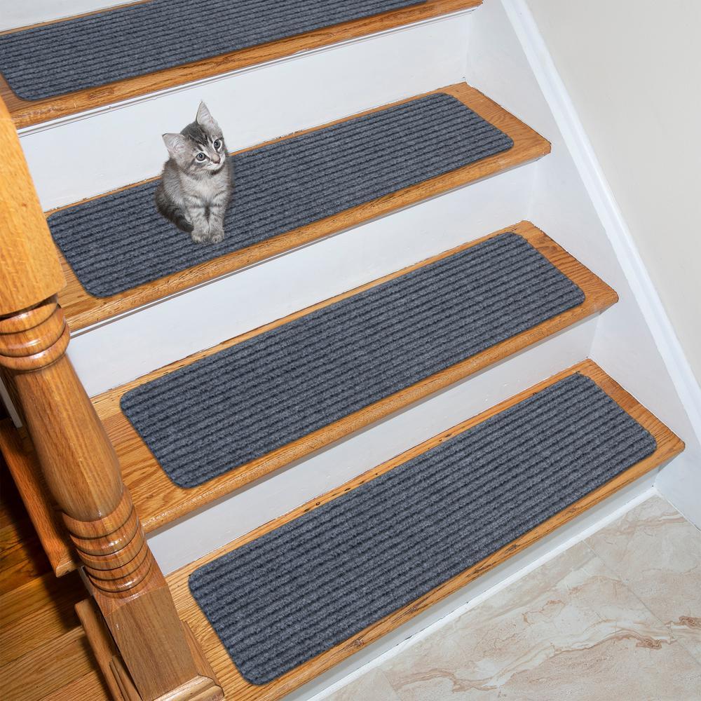 OTTOMANSON Ottomanson Scrape Rib Collection Gray 8 in. x 30 in. Black Latex Back Stair Tread Cover (Set of 7)