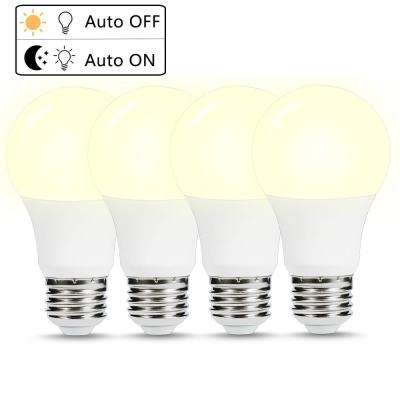 40-Watt Equivalent A19 6W Non-Dimmable Dusk to Dawn LED Light Bulb E26 Base in Daylight White 5000K (4-Pack)
