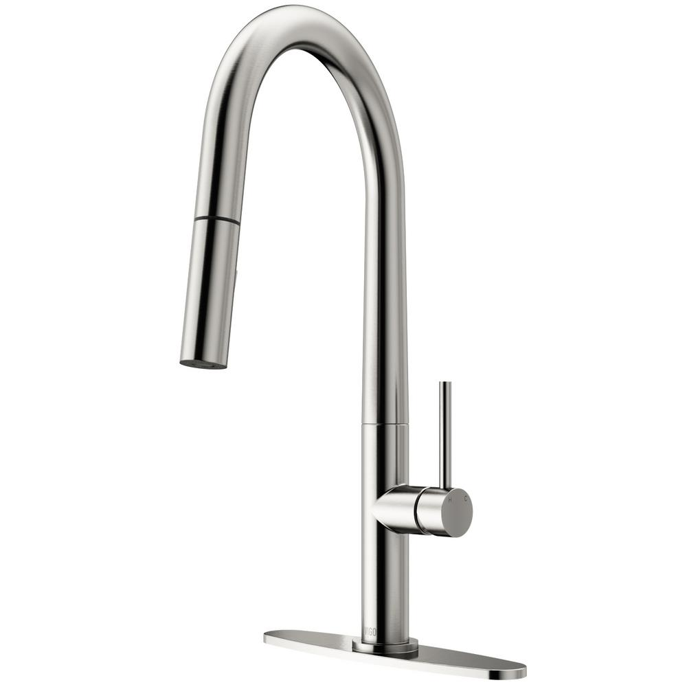 VIGO Greenwich Single-Handle Pull-Down Sprayer Kitchen Faucet with Deck Plate in Stainless Steel